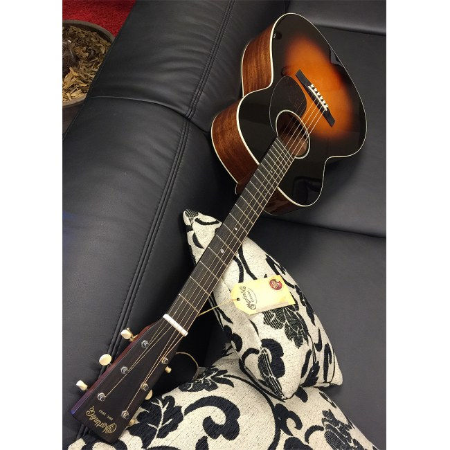 MARTIN CEO-7 Slope Shoulder Special Akustik-Gitarre +Koffer (534), autumn sunset burst