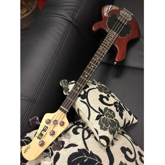 STERLING by Music Man SUB Ray 4 WS Stingray 4-saitiger E-Bass, walnut satin