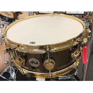 DW Collectors 14x5,5 Brass Messing Snare Snaredrum (802.421.3001/DRVB5514SVG/Gold Hardware)