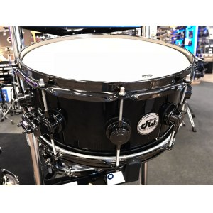DW Collectors 14x7 Wood Snare Solid Black Snare (802.012.254.01/Black Nickel Hardware)