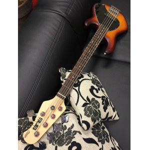 STERLING by Music Man SUB Ray 5 HBS Stingray 5-saitiger E-Bass, honey burst satin