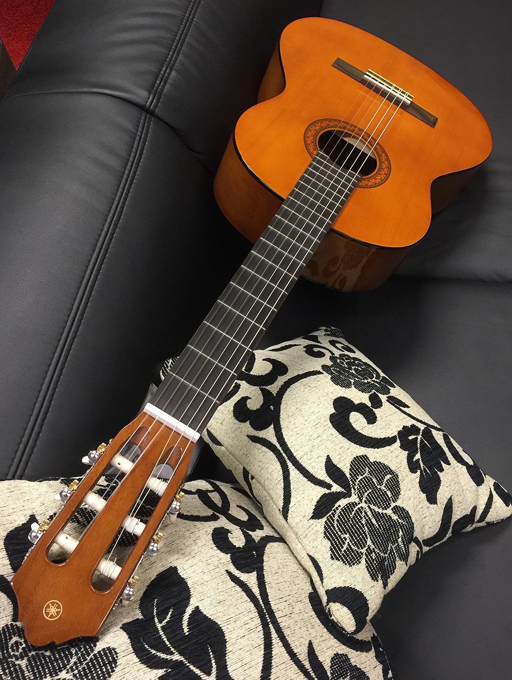 3-String Gold Top Einstellbare Bruecke N5I1 Zigarrenschachtel Gitarrenteile