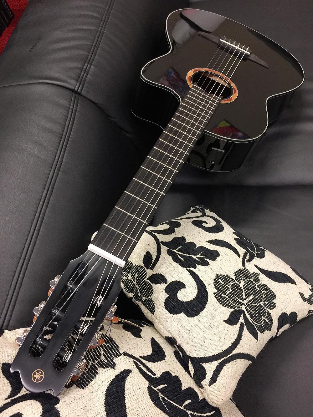 yamaha ncx700 bl nylon elektro akustik gitarre schwarz. Black Bedroom Furniture Sets. Home Design Ideas